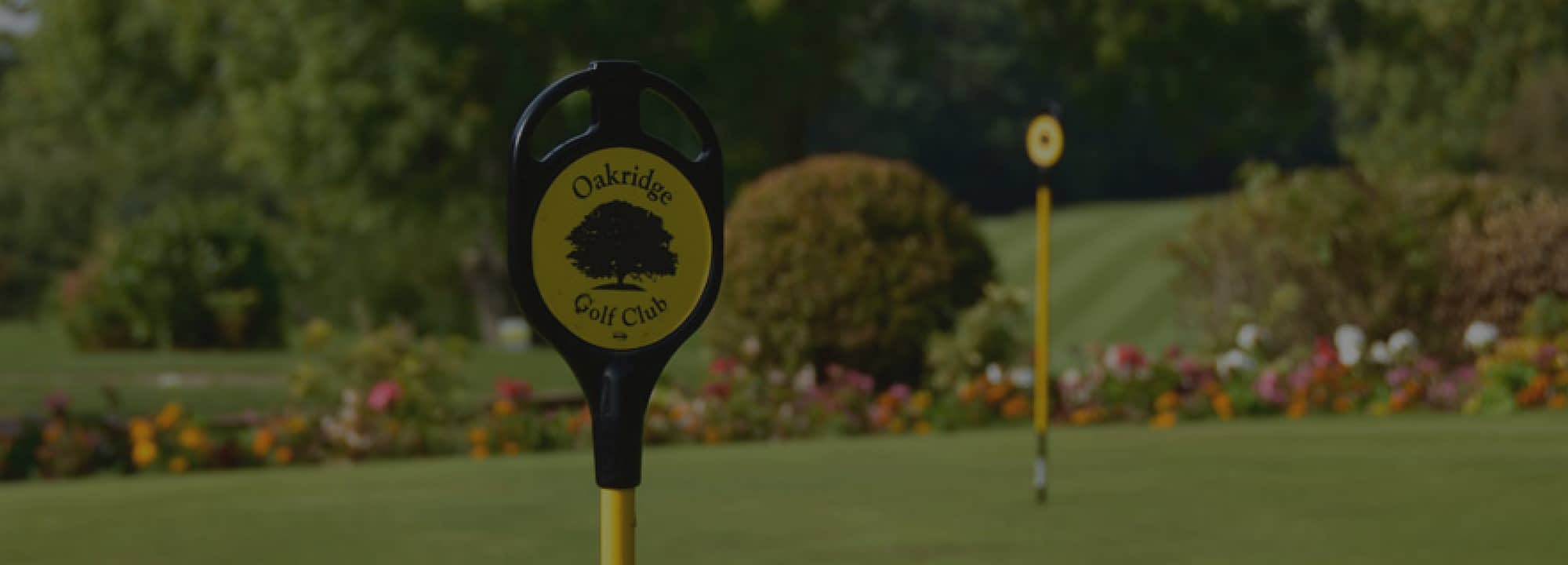 WELCOME TO OAKRIDGE GOLF CLUB Nestled in the heart of the spectacular Warwickshire countryside, Oakridge is a family-run golf club renowned for its friendly atmosphere and distinctive parkland course.